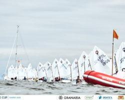 Dzielni żeglarze i żeglarki klasy Optimist